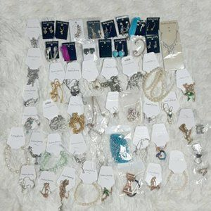 Bundle of 89  jewelry items brand new with…